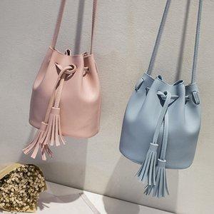 Femmes Mode Tassel Messenger Bag All-Solid Color jeu Seau Sac à bandoulière avec cordon de serrage en cuir Sacs mode de Crossbody