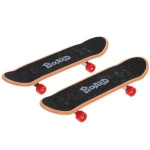 Kids Plastic Fingerboard Toy Children Mini Finger Skateboarding Classical Finger Scooter Skate Boarding Table Game Novelty Toy