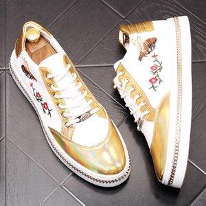 Haute qualité style web célébrité chaussure han édition marée petite abeille marée jeune homme chaussure conseil broderie mocassins étoiles Designer Shoes b8