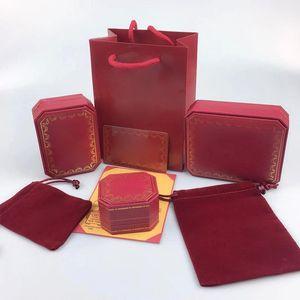Conjuntos de joyas Caja Red CA Letra Collar Collar Pendientes Pendientes Conjuntos de anillos Bolsa de regalo Bolsa de polvo (coincide con las ventas de los artículos de la tienda, no vendidos individuos)