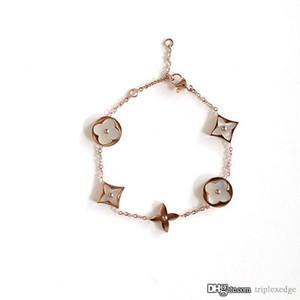 Braccialetto placcato in titanio Bracciale donne di marca di modo dei monili del progettista di lusso di alta qualità 14K di cristallo di fascino Miglior regalo di Natale
