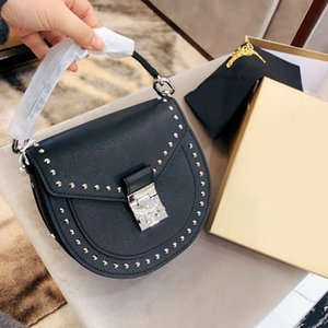 Fashion Womens Designer Handbag Solid Color Brand Shoulder Bag Black Brief Cross Body Bags High Quality Lether Bags Size 22*21cm YF20193