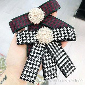 Weinlese-Gewebe-Streifen-Gitter Krawatte Stile Broschen Kristallperlen BlumeCorsage handgemachte Bowknot-Brosche für Frauen Ausschnitt Zubehör