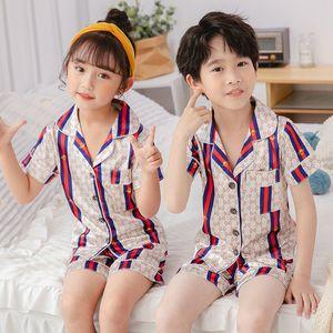 Carino lettera stampata Childern Sleepwear Estate Soft Touch Bambino seta Pajamas Set di lusso Lettera Ragazzi Ragazze Nightclothes