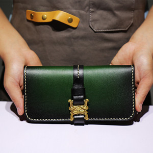 Manuelle Färbung Rindsleder handgefertigte Brieftaschen Tasche Geldbörsen Frauen Männer lange Kupplung pflanzlich gegerbtes Leder Personal Tailor Wallets