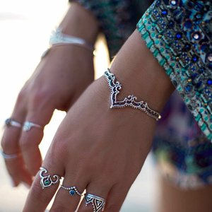 2019 New Ethnic Antique Silver Couleur Bracelet Fleur Creuse pour les Femmes Sculpté Ouvert Bracelets Bracelet Bijoux de Partie