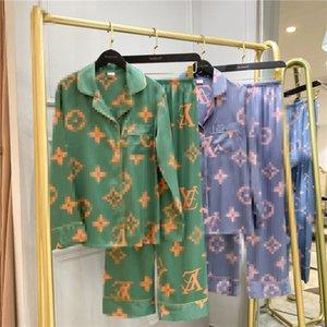 Carta Início 20ss V moda feminina Impressão Flor Ice Silk Pajamas Primavera e amantes de Verão pijamas frete grátis Ins Hot