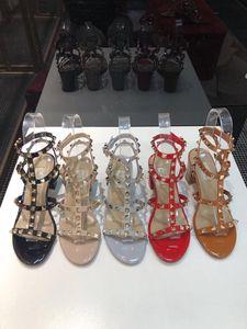 2020 disegno popolare Womens Tacchi alti 6.5CM Rivet Espadrillas scarpe casual sandali in pelle verniciata signore Pantofole Flip Flop 34-42