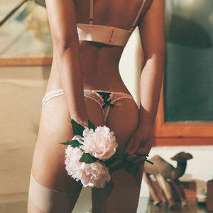 Women Designer Underpants Transparent Lace Sexy Ribbon Bandage Seamless Cotton Crotch Ladies Low Waist Triangle Underwear T Pants Thong New