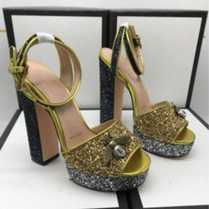 Sandales pour femmes de haute qualité haut de gamme talons hauts de mode européenne de la station avec des styles chauds classiques des ventes directes d'usine