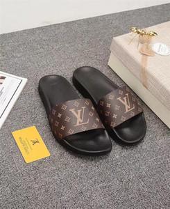 TOP 2020 Zapatos Hombres Mujeres Sandalias de diapositivas de diseño de diapositivas lujo manera del verano plano ancho resbaladizo con densamente las sandalias del deslizador de las chancletas