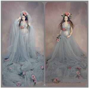 Maxi abito di maternità per servizio fotografico Vestito per abbigliamento fotografico per donne incinte Abito lungo con spilla fiore9
