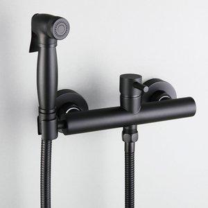 매트 블랙 / 크롬 황동 욕실 샤워 비데 화장실 스프레이 키트 핫 차가운 믹서 밸브 꼭지 벽 비데 수도꼭지를 탑재