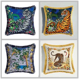 Luxury Tiger Leopard Coperchio di cuscino per animali a doppia faccia Stampa Cuscino di velluto Cover Styl European Styl Divano decorativo cuscino cuscino 45cm * 45cm