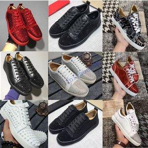 CALIENTE 2020 Diseñador zapatillas de deporte zapatos de fondo es rojo escotado Suede Shoes pico para hombres y mujeres zapatos de lujo del banquete de boda de cristal remache zapatilla de deporte