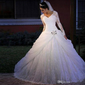 Luxuriöse Spitze A Linie Brautkleider 2020 V-Ausschnitt mit langen Ärmeln Appliques wulstigen Fußboden-Längen-Brautkleid Plus Size Brautkleid