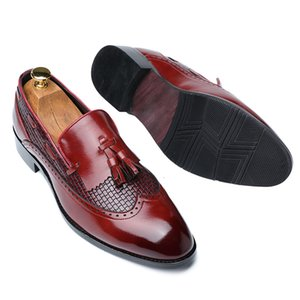 37~48 Plus Size Mens Fringed Brogue Loafers Formal Shoes Italian Men Pointed Toe Slip On Plaid Tassel Dress Wedding Leather Shoe