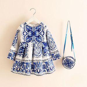 De vestir de manga larga vestido de Navidad Chica 2018 Ropa floral del otoño del invierno impresiones Niño de la muchacha Vestidos para niños Niños con el bolso