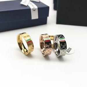 Titan Stahl Hochzeit Brand Design Ring-Frauen Luxuxmann Band Ringe Schmuck Geschenke Mode-Accessoires Breite 5mm Silber Gold 3 Tone