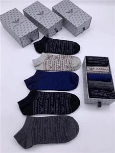 V6marca de luxo ArmaniDesigner Atacado homens puros de alta qualidade meias de algodão de Primavera marcas de Socks homens meias masculinas