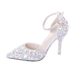 2019 نساء أحذية بيضاء كريستال مع أحذية الزفاف مشبك أحذية العروس أحذية عالية الكعب الصنادل الإناث اللباس مضخات