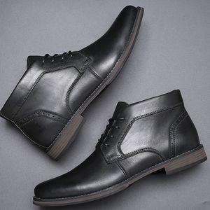 LuxuxMens Kleid Stiefel Cap toe Leder Stiefeletten Schnürer schwarz braun Farbe Chukka Boot-Geschäft Hochzeit Schuhe