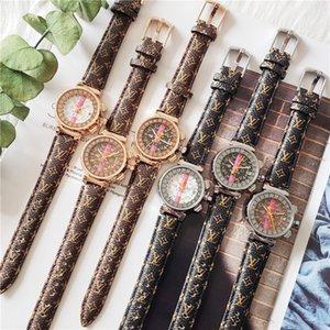 LV Новая мода Стиль Женщины Часы Леди Мода часы люкс женщин досуг WristWatch высокого качества LetterLV горячей продажи Relogio часы Мужчина для