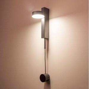 북유럽 현대 벽 조명 럭셔리 디 밍이 스위치 간단한 거실 통로 복도 침실 창조적 성격 침대 옆 벽 램프 LLFA