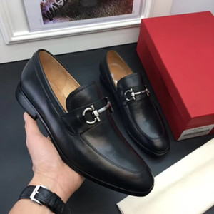 2019 Mens dress shoes lace up luxury designer shoes Genuine leather brogue shoe business Black leather with gold thread Genuine leather meta