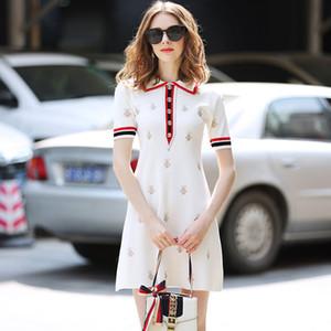 Nuevo vestido de estilo de verano GG de cuello alto de solapa para mujer bordado de abeja de cintura alta Vestido de punto delgado medio largo Oficina de señora Vestidos casuales de negocios