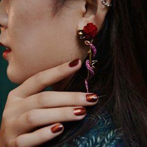 العلامة التجارية الجديدة وردة حمراء زهرة أقراط للمجوهرات النساء خمر كريستال الأفعى حلق مشاهدة بيجو الرجال الحزب Brincos