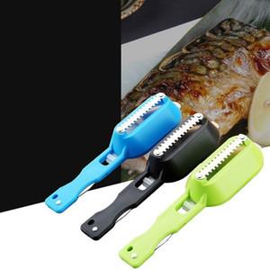 Matar a los peces raspado Escala cepillo de afeitar con el cuchillo de la máquina de escamas de pescado removedor Cocinar raspador de la cocina de Peeler de escamas de pescado raspador T2I5724-1