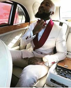 Nuevo novio de moda Esmoquin Groomsmen con un solo botón Marfil Paisley solapa del mejor hombre traje de boda de los hombres trajes de chaqueta (chaqueta + pantalones + corbata