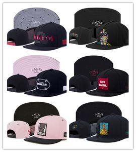 Tappi economico Cayler Sons Snapback per uomini e donne cappelli di pallacanestro berretti da baseball di sport di modo bianchi snapbacks colore Caps
