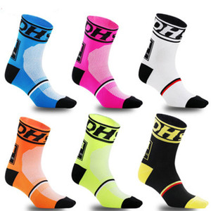 Dh Sport Nuovi calzini da ciclismo Calzini sportivi di marca professionale di alta qualità Bicicletta traspirante Socke Outdoor Racing Big Size Men