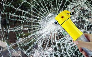 Quattro in una Safety Car Martello multifunzionale Lifesaving Hammer Auto Escape Hammer rotto la finestra è uno strumento di emergenza