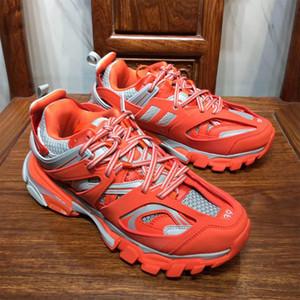 O envio gratuito de 2019 nova cor TRACK FORMADORES sapatos das mulheres dos homens confortáveis sapatos de grife malha de nylon pista pano respirável dimensionar 36-45 c25