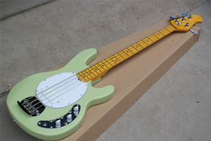 Personalizzata in fabbrica 4 stringhe verde Body Electric Bass Guitar con giallo al collo, hardware cromato, bianco Pickguard, in acero, offerta Personalizza