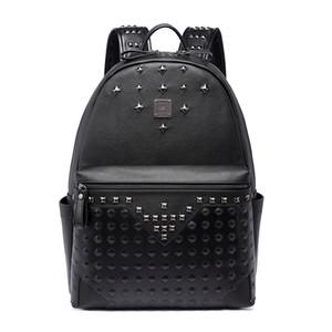Tasarımcı-Büyük kapasiteli tasarımcı perçin Punk tarzı yüksek kaliteli erkekler omuz sırt çantası okul öğrenci bookbag sırt çantası sıcak satış seyahat çantaları