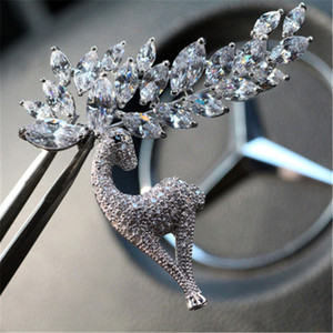 Copper zircon elk high grade crystal Christmas Brooch Brooch Pin ornament x972 it have 2 style