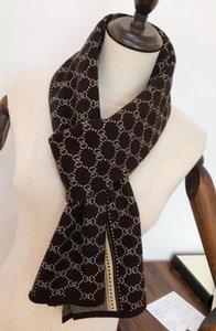 2019 écharpe de luxe, écharpe en cachemire automne / hiver à la mode, la marque haut de gamme écharpe de vente à chaud, taille haute qualité 180 * 30cm