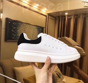 2020 Black Velvet das mulheres dos homens Casual sapatos bonito Plataforma Sneakers calçados casuais de couro Cores sólidas instrutor