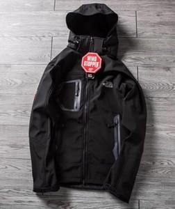hombres Manera- softshell de los hombres capa cara chaqueta de los hombres al aire libre Deportes Coats las mujeres de esquí de senderismo a prueba de viento de invierno Outwear la chaqueta Soft Shell senderismo