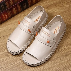 Sommer Outdoor-Strand Sneaker Hand Made Slip-on-Mann-Freizeit-Sandelholz-PU-Leder Sandalen für Herren-Beige Men Walking