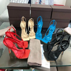 Modedesigner Stil Wort dünne Gürtel Klippzehe römische Schuhe Fischgrät-Zehe fein Ferse High Heel Sandalen Sommer weißer Quadrat Kopf römische Frauen