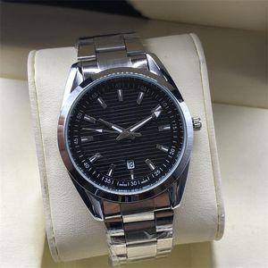 2020 Nuovo buon mercato gli orologi Mens dell'acciaio inossidabile di modo degli orologi del quarzo del calendario impermeabile uomini dell'orologio del regalo di compleanno della vigilanza