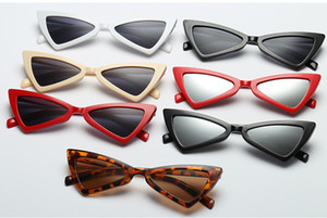 Fabrika Fiyatı Seksi Kedi Göz Güneş Üçgen Leopar Çerçeve Çeşitli Renkler Opsiyonel Plastik Bardaklar kadın sunglases 10PCS için güneş gözlüğü