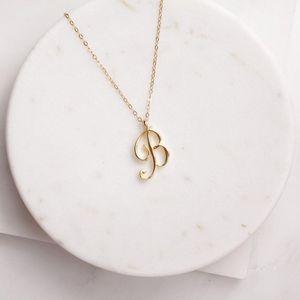 Küçük Girdap İlk Alfabe Mektubu Kolye Tüm 26 İngilizce Gümüş A-T Cursive Lüks Monogram Ad Mektubu Kelime Zincir Kolye Severler için