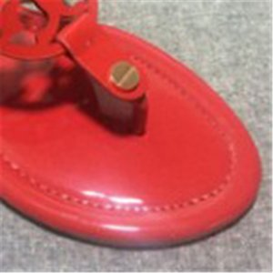Sandals Hot venda- Mulheres Designer estilo clássico de Sandálias Casual Flops Multi Color Tamanho 35-43 luxo menina Slides frete grátis Marca Mulheres