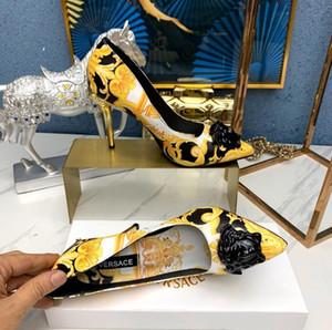 2019 Luxus Designe Slipper Summer Fashion Blumenbrokat Gummi breite flache Slide Männer Frauen Strand kausalen Sandalen Sneakers Flip Flops Größe